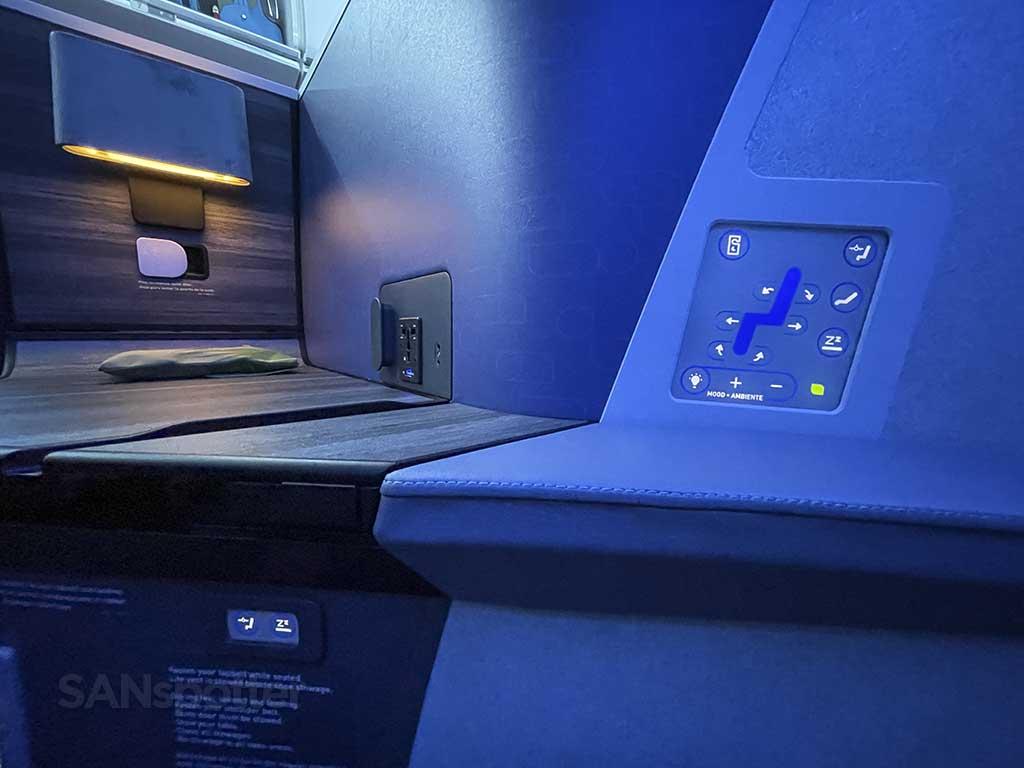 Jetblue mint suite seat controls