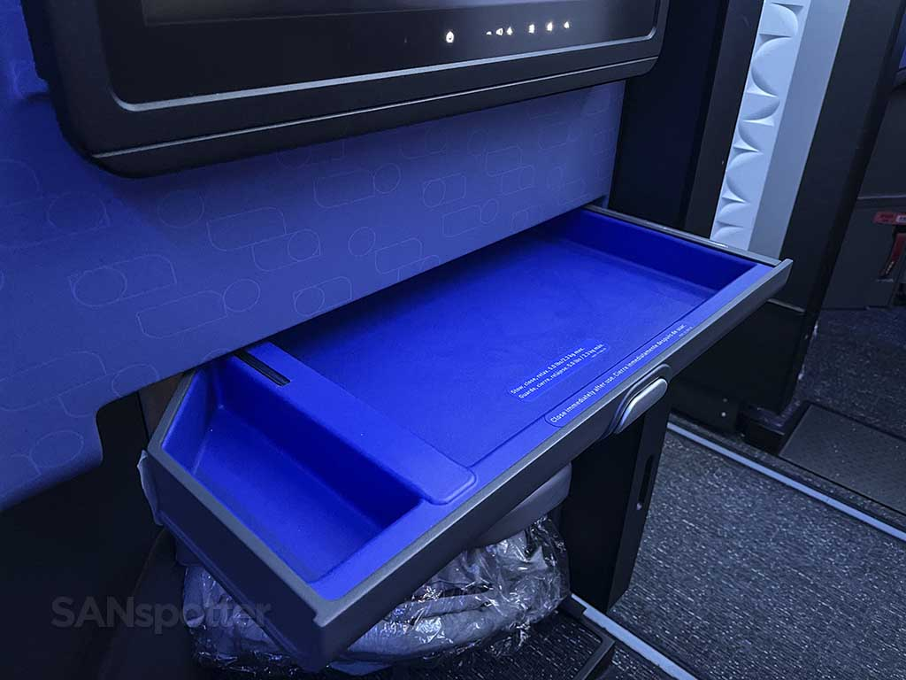 Jetblue mint suite storage bins